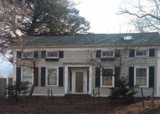 Casa en ejecución hipotecaria in Glenmont, NY, 12077,  ROUTE 9W ID: S70212408