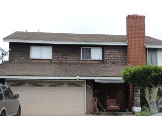 Casa en ejecución hipotecaria in San Diego, CA, 92117,  MOUNT ROYAL PL ID: S70215029