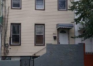Casa en ejecución hipotecaria in Brooklyn, NY, 11208,  LINWOOD ST ID: S70215332