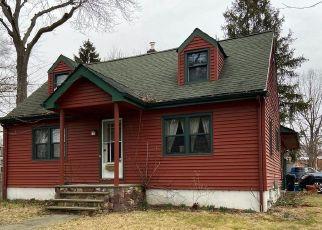 Casa en ejecución hipotecaria in Morrisville, PA, 19067,  OSBORNE AVE ID: S70216762