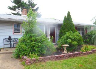 Casa en ejecución hipotecaria in Levittown, PA, 19055,  GRACEFUL LN ID: S70222894