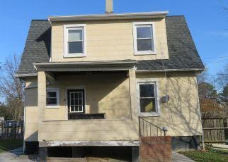 Casa en ejecución hipotecaria in Baltimore, MD, 21206,  HAMILTON AVE ID: S70239985