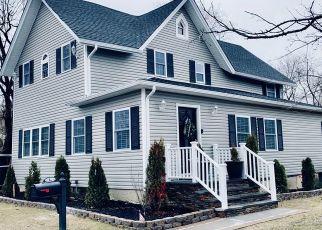 Foreclosed Homes in Bay Shore, NY, 11706, ID: S70240457