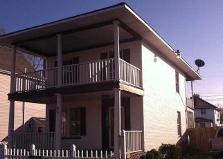 Foreclosed Home en MAPLE AVE, Newport News, VA - 23607