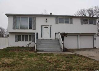 Casa en ejecución hipotecaria in Shirley, NY, 11967,  ARPAGE DR E ID: 6209926
