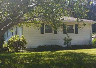 Casa en ejecución hipotecaria in Rochester, NY, 14622,  SPRUCE LN ID: S6272580