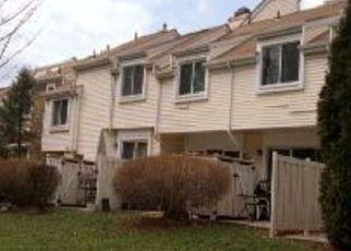 Casa en ejecución hipotecaria in North Brunswick, NJ, 08902,  SCHMIDT LN ID: 6307989