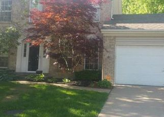 Foreclosed Home en RHINEGARTEN DR, Florissant, MO - 63031