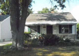 Casa en ejecución hipotecaria in Harper Woods, MI, 48225,  WOODSIDE ST ID: 6315894