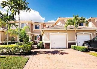 Foreclosed Home en ROUNDSTONE CIR, Fort Myers, FL - 33967