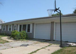 Casa en ejecución hipotecaria in Valparaiso, IN, 46385,  CORNWALL RD ID: 6318026