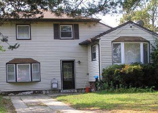 Casa en ejecución hipotecaria in Bay Shore, NY, 11706,  ELAYNE AVE ID: 6318735