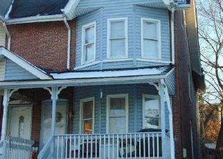 Casa en ejecución hipotecaria in Coatesville, PA, 19320,  WALNUT ST ID: 6319310