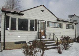 Casa en ejecución hipotecaria in Brook Park, OH, 44142,  HARRISON DR ID: S6319807