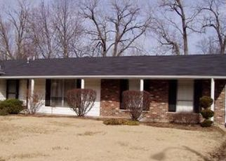 Foreclosed Home en SEVILLE DR, Florissant, MO - 63033