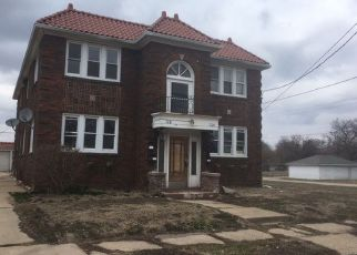 Foreclosed Home in BUCKBEE ST, Rockford, IL - 61104