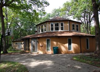 Foreclosed Home in WOODLAND CT, Joliet, IL - 60436