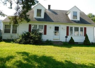 Foreclosed Home en FRANCIS AVE, Enfield, CT - 06082