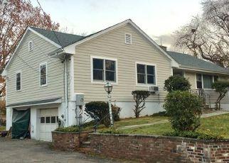 Foreclosed Home en LICATA TER, Cos Cob, CT - 06807