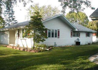 Foreclosed Home in DAISY ST, Aurora, IL - 60505