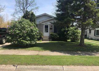 Foreclosed Home en GREENLEAF ST, Roseville, MI - 48066