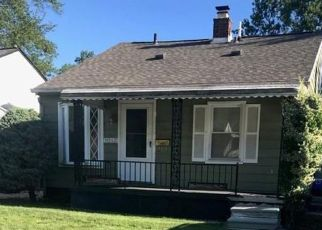 Foreclosed Home en BAUMAN AVE, Royal Oak, MI - 48073