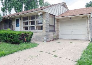 Foreclosed Home in RICHARDS LN, Champaign, IL - 61820