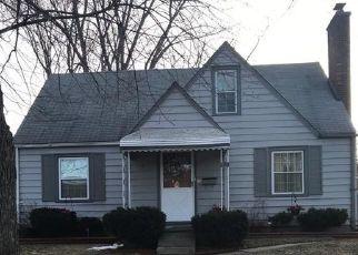 Foreclosed Home en DRAPER AVE, Pontiac, MI - 48341