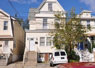 Casa en ejecución hipotecaria in Bronx, NY, 10461,  FRISBY AVE ID: S6324233