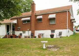 Foreclosed Home en SAINT MONICA LN, Saint Ann, MO - 63074
