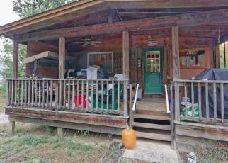 Foreclosed Home en CRESCENT VISCHER FERRY RD, Clifton Park, NY - 12065