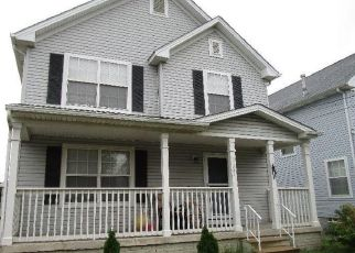Casa en ejecución hipotecaria in Cleveland, OH, 44104,  E 63RD ST ID: S6325266
