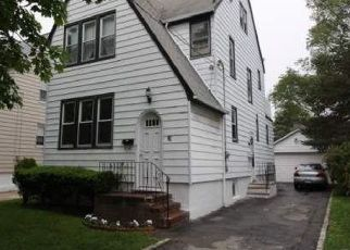 Foreclosed Home en GORDON RD, Valley Stream, NY - 11581