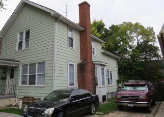 Foreclosed Home in S LINCOLN AVE, Aurora, IL - 60505