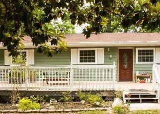 Foreclosed Home en E CHAPEL HILL RD, Douglasville, GA - 30135