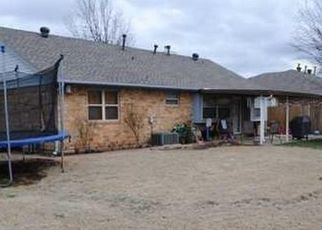 Foreclosure Home in Yukon, OK, 73099,  SENNYBRIDGE CT ID: S6327339