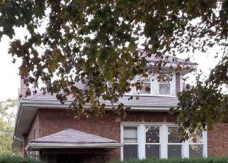 Casa en ejecución hipotecaria in Maywood, IL, 60153,  S 11TH AVE ID: S6327425