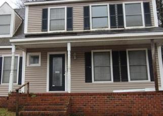 Foreclosed Home en SHIRE PKWY, Mechanicsville, VA - 23111