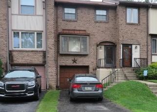 Casa en ejecución hipotecaria in Bensalem, PA, 19020,  BURNLEY CT ID: S6328454