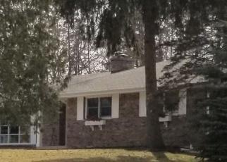 Foreclosed Home in E BONNIE BROOK LN, Waukegan, IL - 60087