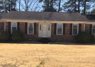 Foreclosed Home en VAUGHAN RD, Petersburg, VA - 23805