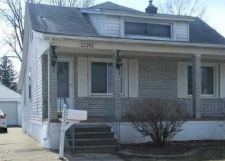 Foreclosed Home en SAINT GERTRUDE ST, Saint Clair Shores, MI - 48081