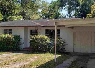 Foreclosed Home en NW 11TH AVE, Gainesville, FL - 32601