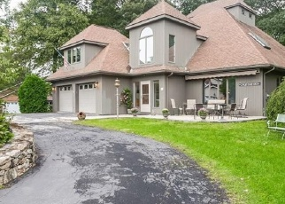 Foreclosed Home en MOUNTAIN DR, New Milford, CT - 06776
