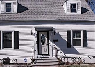 Foreclosed Home en CORONA DR, Waterbury, CT - 06708