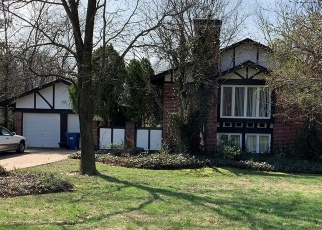 Foreclosed Home en CABALLERO DR, Ballwin, MO - 63021