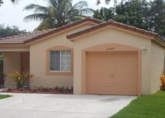 Foreclosed Home en SW 102ND AVE, Hollywood, FL - 33025