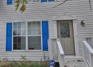 Foreclosed Home en SEA BREEZE DR, Curtis Bay, MD - 21226