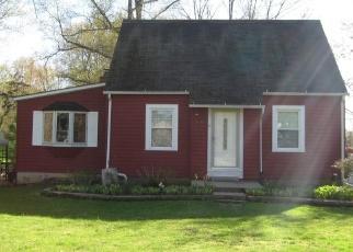 Foreclosed Home en GRAFTON RD, Elyria, OH - 44035