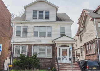 Foreclosed Home in GOLDSMITH AVE, Newark, NJ - 07112